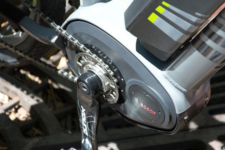 bosch-ebikes-motor-pedals-1-720x720